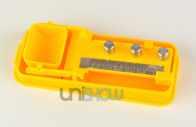 Akurate Plastic Scale